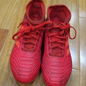 Adidas boy's soccer cleats size 5